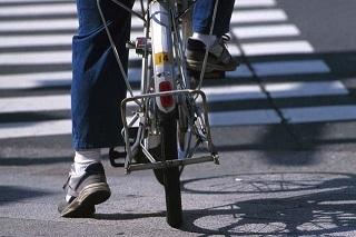 自転車と横断歩道.jpg